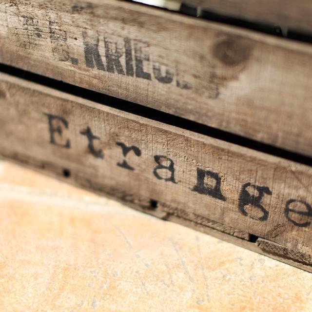 Etrangeの木箱